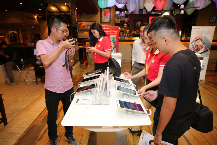 Huawei-boi-doi-may-tinh-bang-Tin-200717-1
