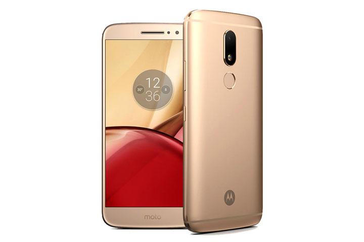 Smartphone-tam-trung-Motorola-Hitech-715-2017