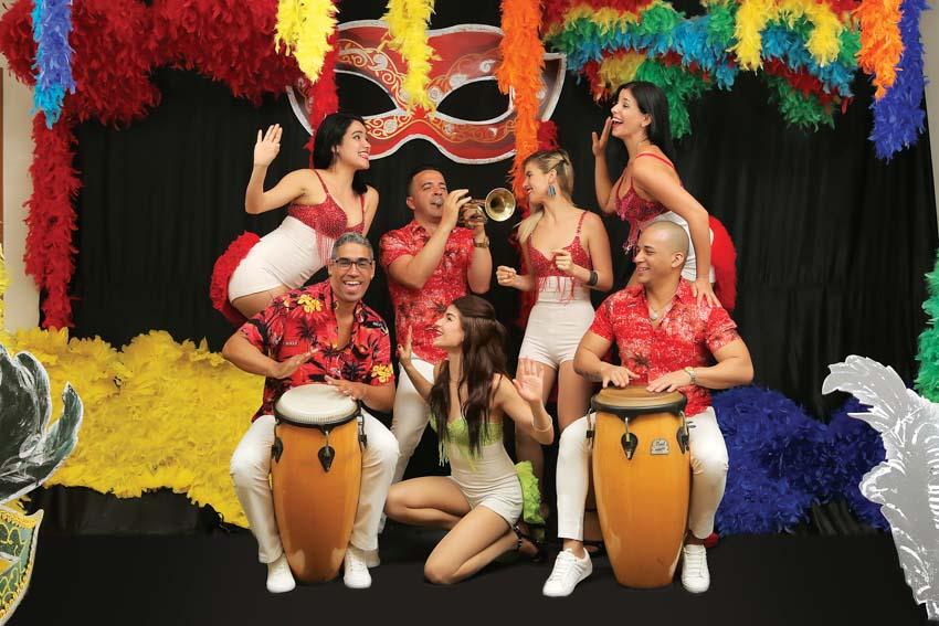 le-hoi-carnival-tai-saigon-saigon-rooftop-bar-DDTG-718-2017-ok