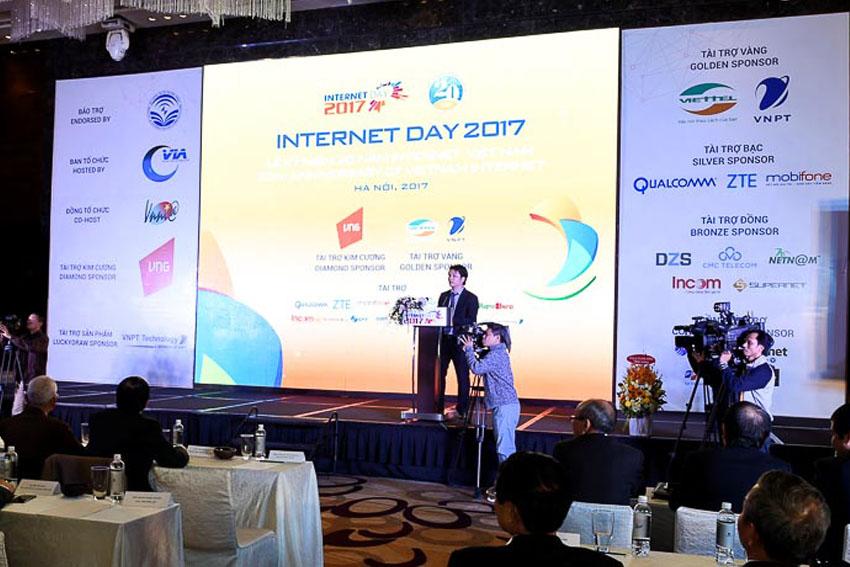DN-Internet-Day-2017-chuyen-dong-so-Tin-231117-1