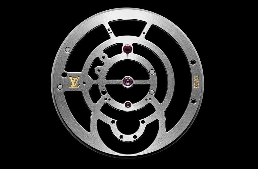 DN734-Louis-Vuitton-va-kiet-tac-Tambour-Moon-Tourbillon-Volant-TT-2017-3