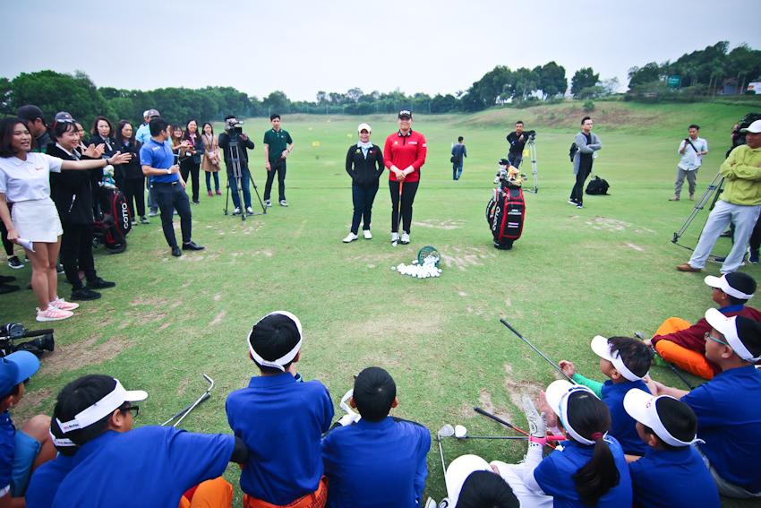 DN-Tap-huan-golf-cung-tay-golf-dang-cap-Tin-051217-3