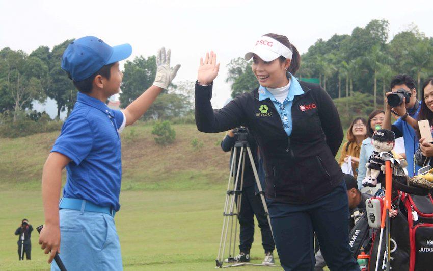 DN-Tap-huan-golf-cung-tay-golf-dang-cap-Tin-051217-6