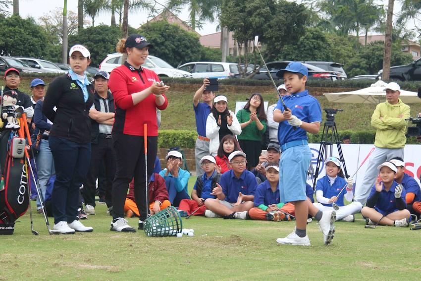 DN-Tap-huan-golf-cung-tay-golf-dang-cap-Tin-051217-7