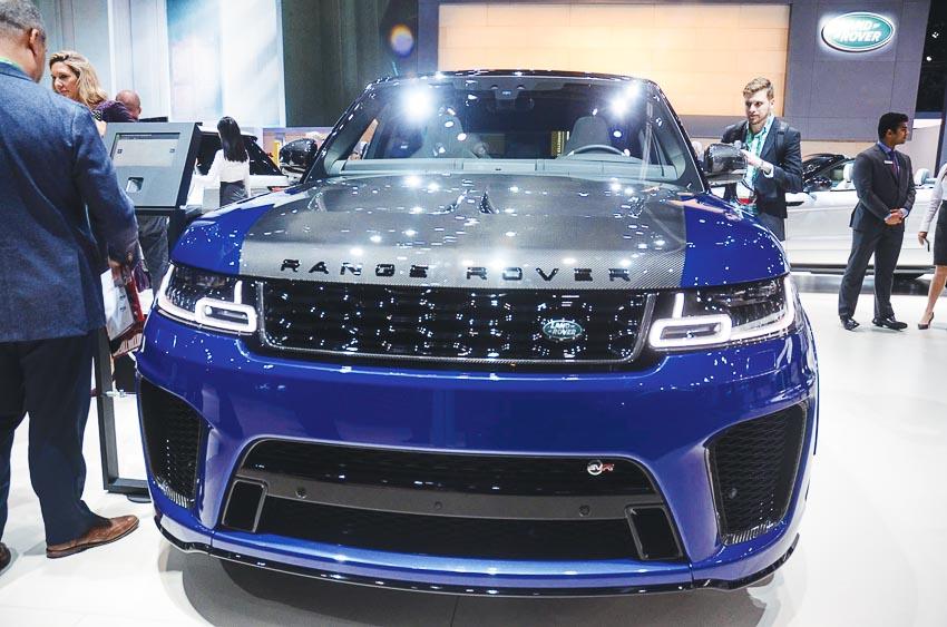 DN736-Los-Angeles-Motor-Show-2017-Range-Rover-P400e-XH-2017