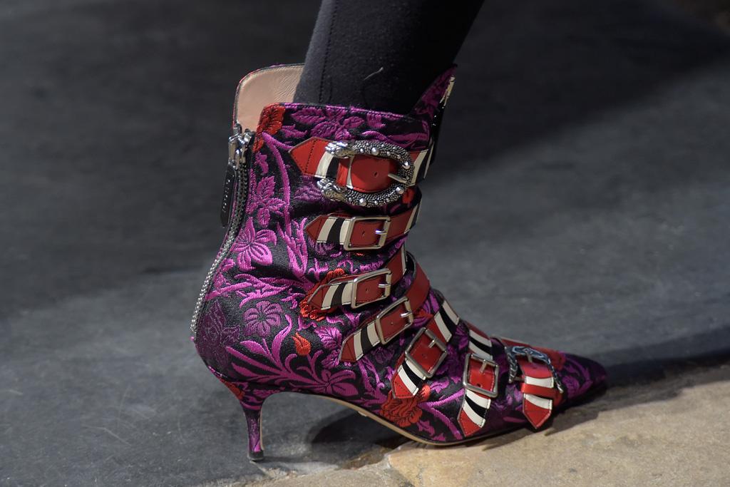 Những đôi giày Thu-Đông 2017 lấp lánh