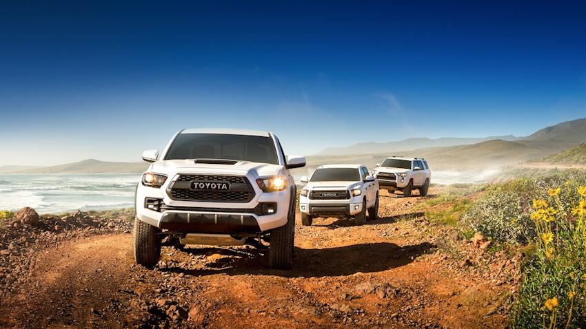 Toyota tung ảnh teaser nhá hàng bộ ba: Tacoma, Tundra và 4Runner mới