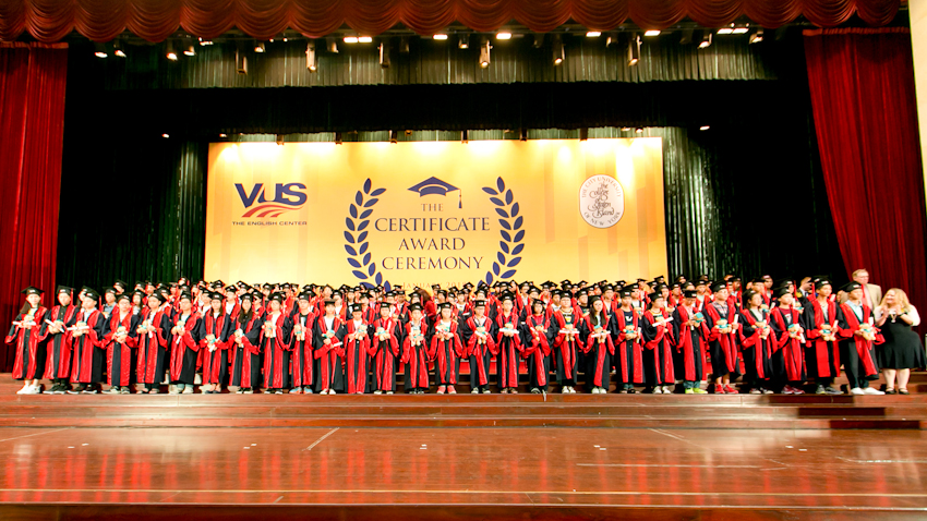 VUS lập kỷ lục trao 99.775 chứng chỉ quốc tế cho học viên