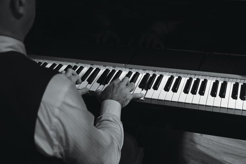 Đêm nhạc blues tại Cool Cats Jazz Club
