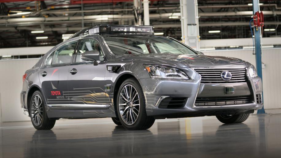 Toyota đưa công nghệ xe tự lái mới nhất lên Lexus LS 600hL