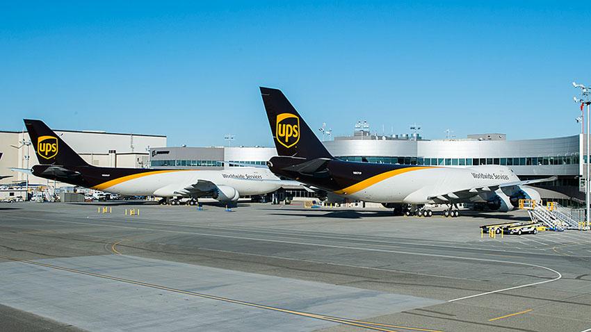 UPS đặt mua thêm 14 chuyên cơ vận tải Boeing 747-8