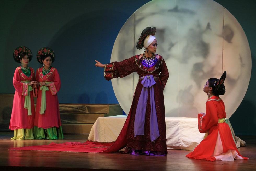 Giấc mộng vàng son và một Hồng Ánh khác