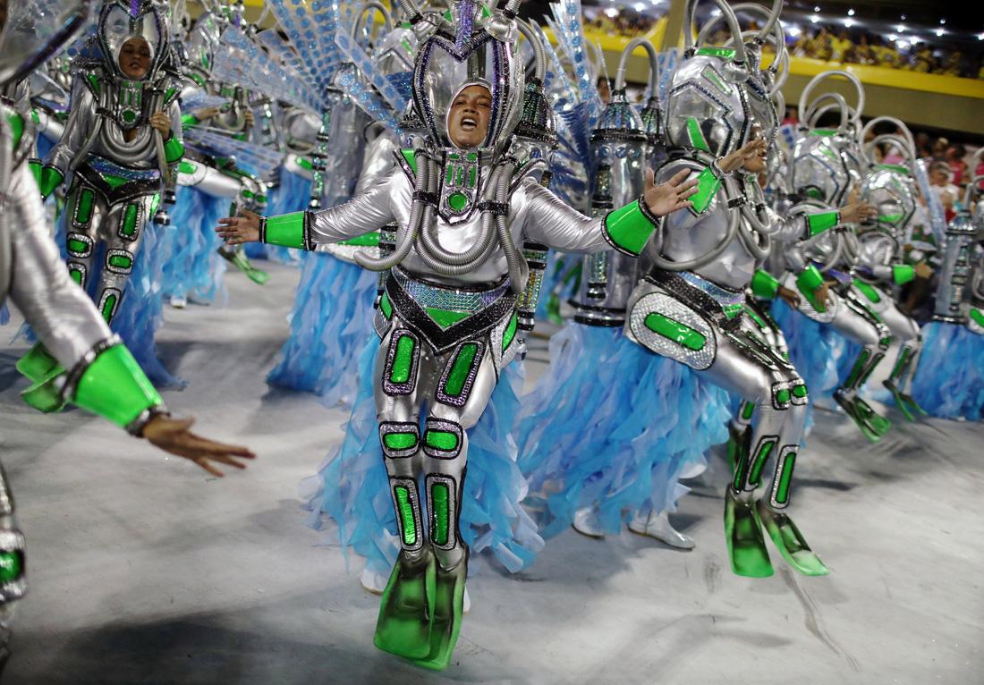 Choáng ngợp với Carnaval Rio đầy màu sắc và quyến rũ