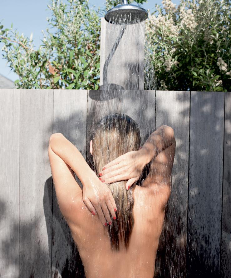 Bí quyết dưỡng ẩm giúp làn da mịn màng và căng mướt khi tắm 3