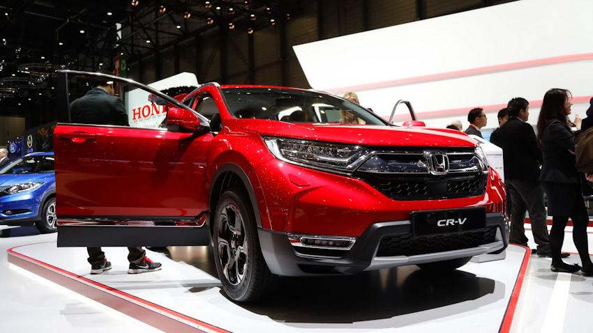 Honda CR-V hybrid 2019 phiên bản đỏ nổi bật dành cho thị trường châu Âu