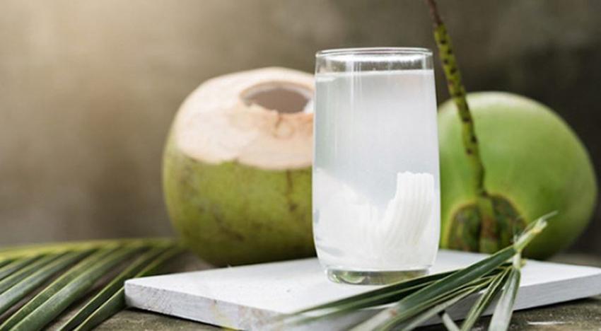 12 lợi ích không ngờ từ nước dừa tươi