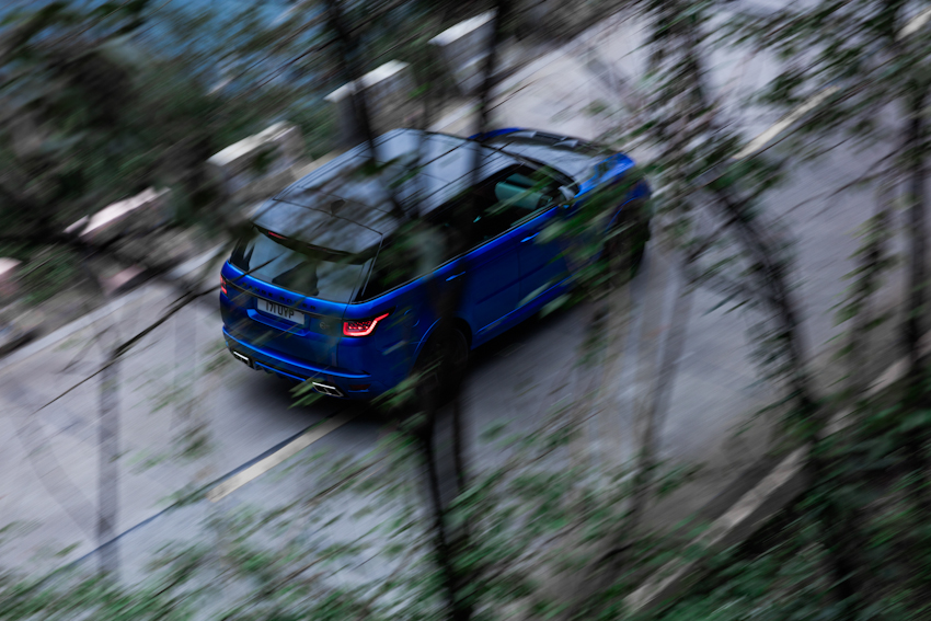 Range Rover Sport SVR lập kỷ lục mới trên cung đường núi Thiên Môn