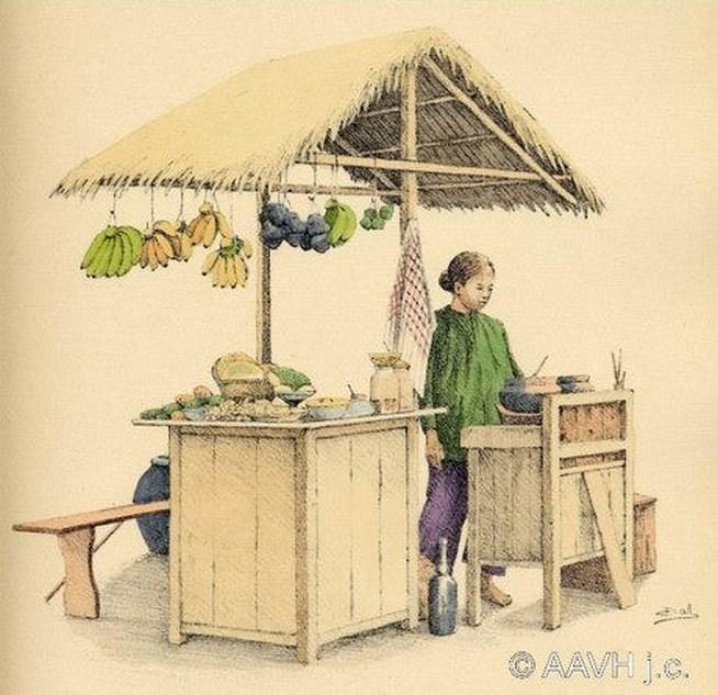 Quầy hàng ăn lưu động, nơi bán hoa quả, xôi nếp, chả giò, chè Huế.