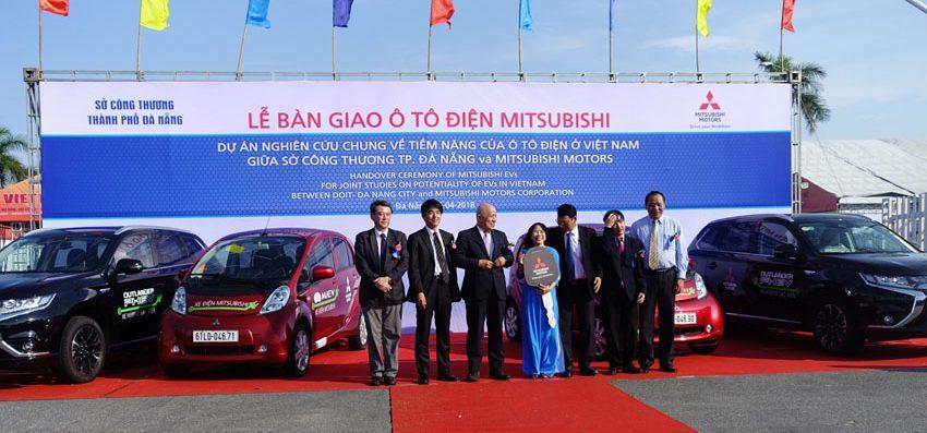 Mitsubishi Motors bàn giao xe điện cho Sở Công Thương Đà Nẵng