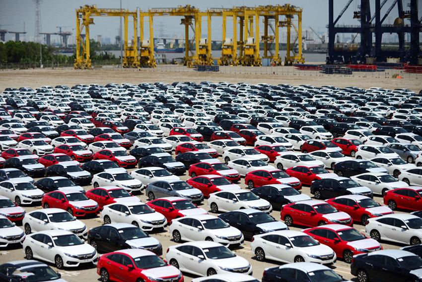 Trong 5 năm Việt Nam đã chi gần 10 tỷ USD để nhập khẩu ô tô nguyên chiếc