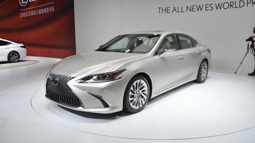 Lexus ES 2019, thiết kế sang trọng nội thất trang bị hiện đại, chính thức ra mắt