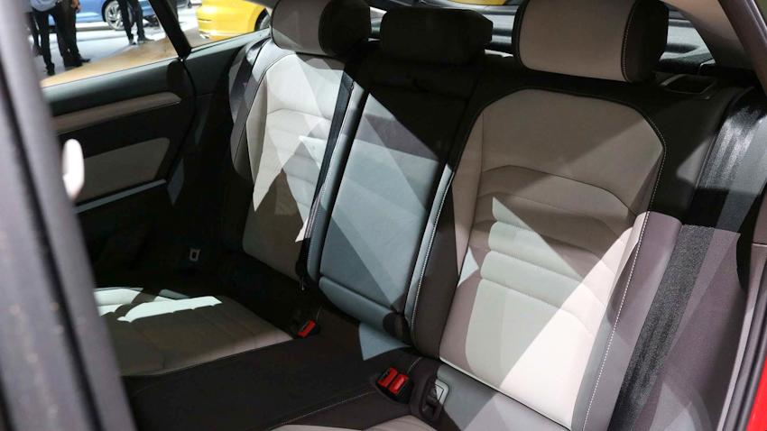 Volkswagen Arteon trang bị gói R-Line thể thao ra mắt tại New York, Mỹ