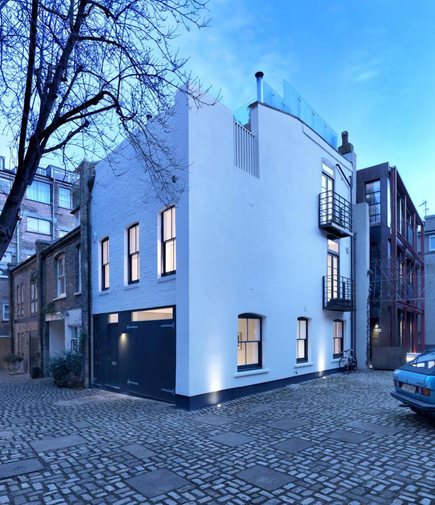 Nội thất đơn sắc và mộc mạc của ngôi nhà hiện đại tại London