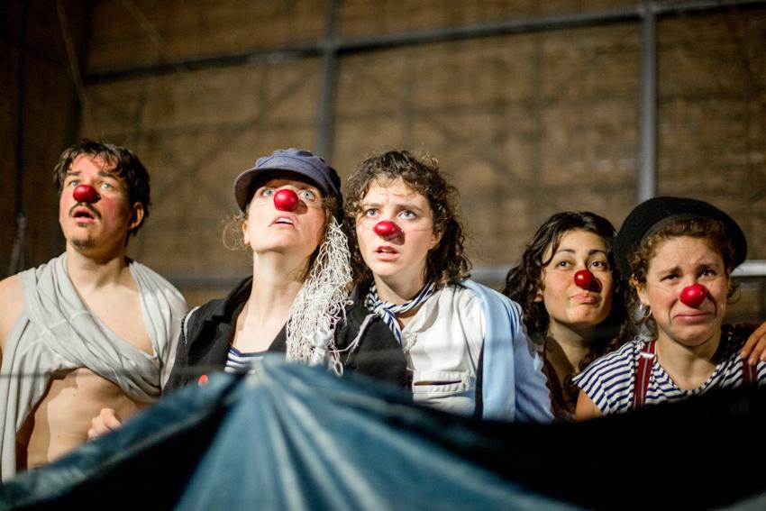 Vở xiếc Biển lặng gió! của đoàn nghệ thuật Be Clown đến từ Pháp