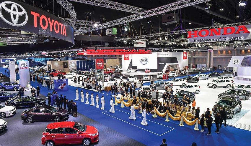 Sôi động hai triển lãm ôtô lớn tại hai đầu địa cầu