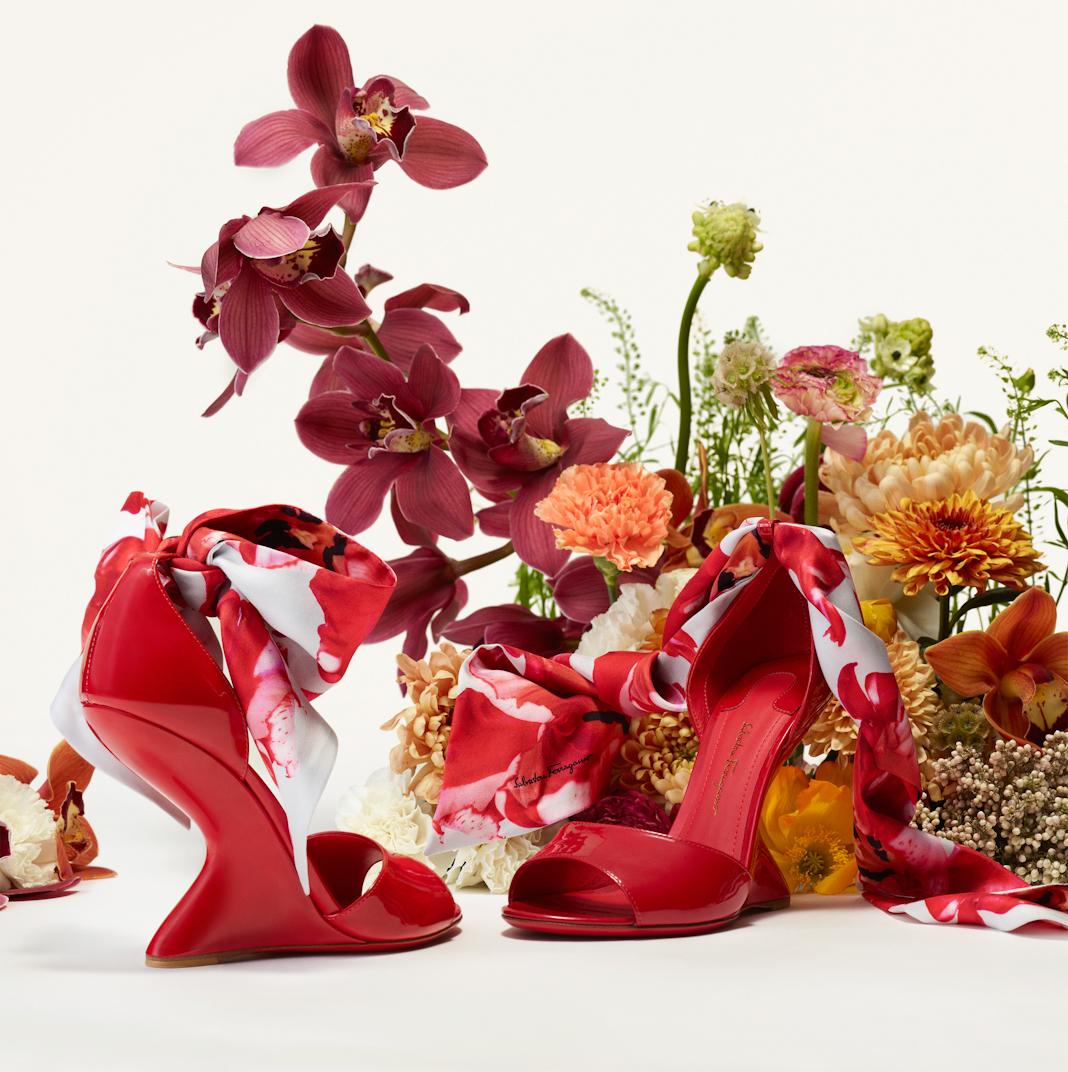 Bộ sưu tập #FlowerInvasion Những đóa hoa Salvatore Ferragamo dành cho phái đẹp
