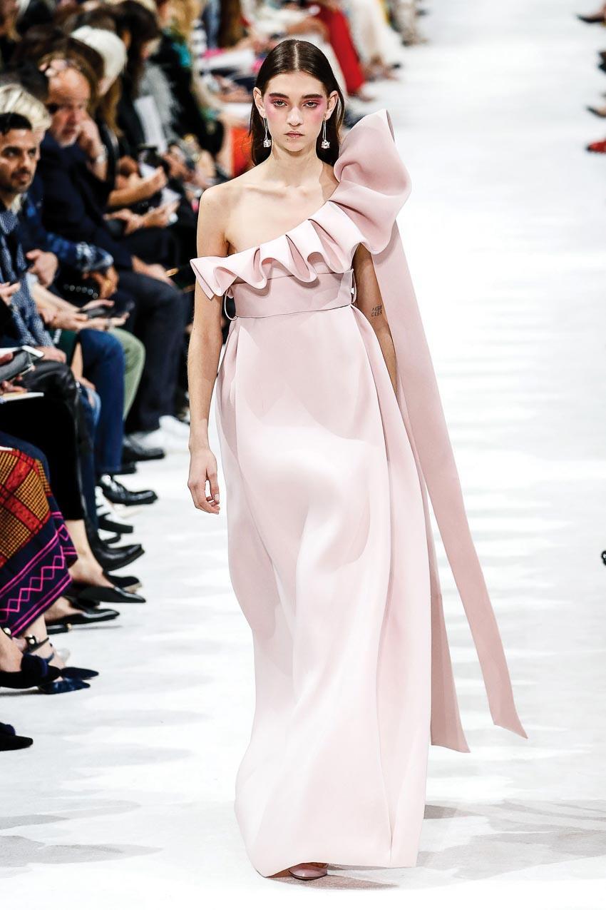 Pastel chính thức là một màu sắc của mùa thời trang xuân-hè 2018