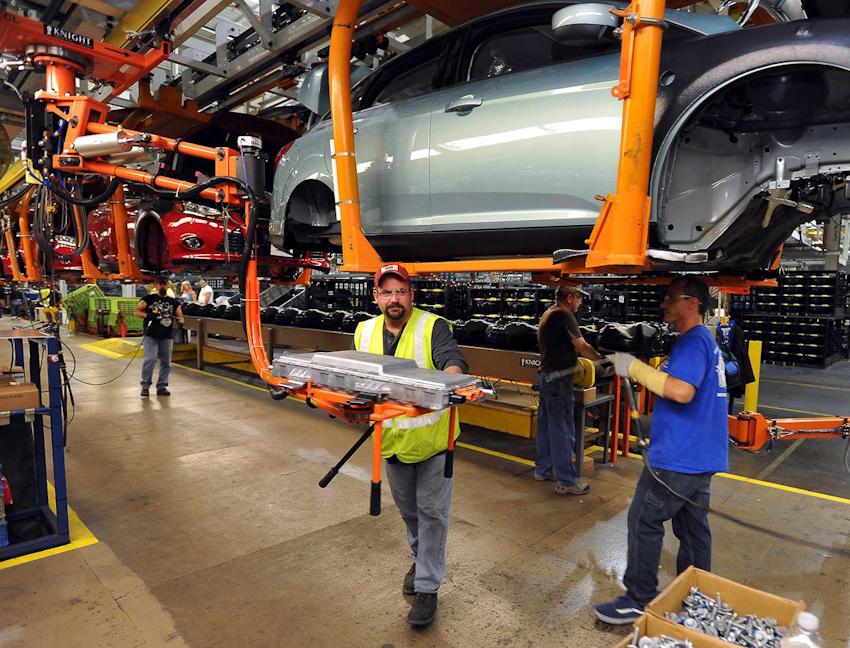 Ford Mỹ chính thức ngừng sản xuất Focus, C-Max