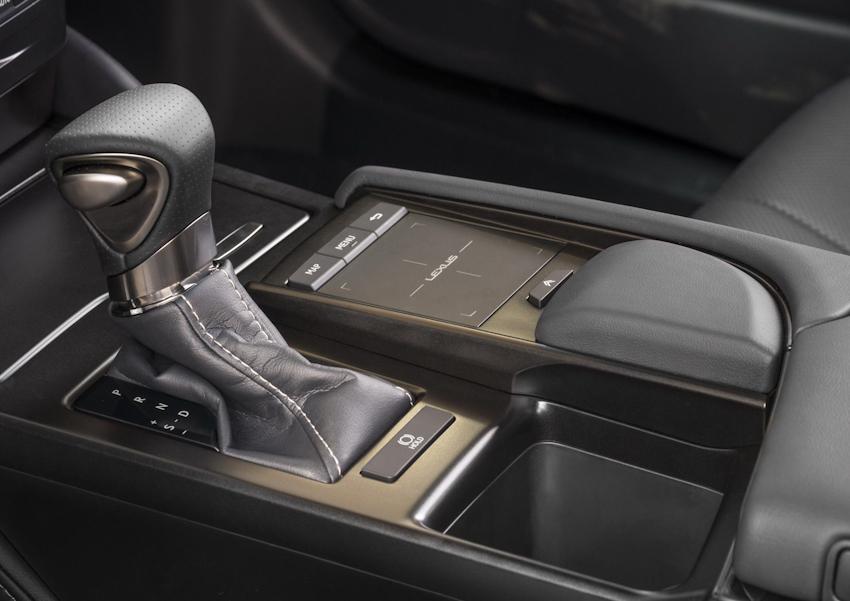 Lexus ES 2019 chính thức ra mắt, thiết kế sang trọng, thêm bản F-Sport