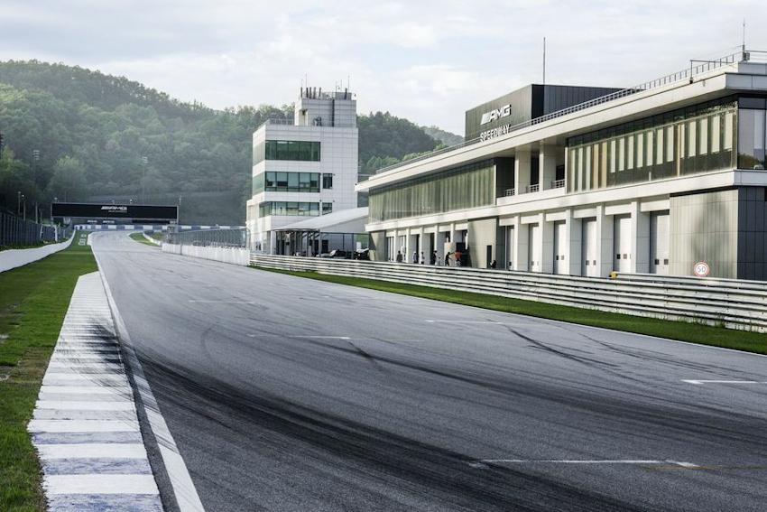 Mercedes mở trường đua AMG đầu tiên tại Hàn Quốc