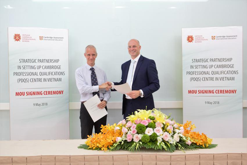 VAS phối hợp với Cambridge thành lập Trung tâm Đào tạo và Bồi dưỡng nghiệp vụ CAIE