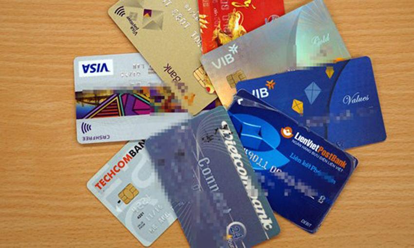 Cảnh báo việc cho mượn CMND mở tài khoản ngân hàng