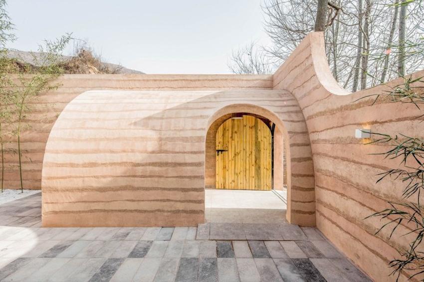 Không gian tràn năng lượng sống cho ngôi nhà hang vùng đất cổ