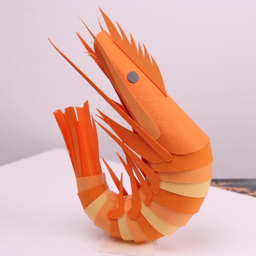 Nghệ thuật dựng mô hình giấy sống động của nhà thiết kế Lisa Lloyd