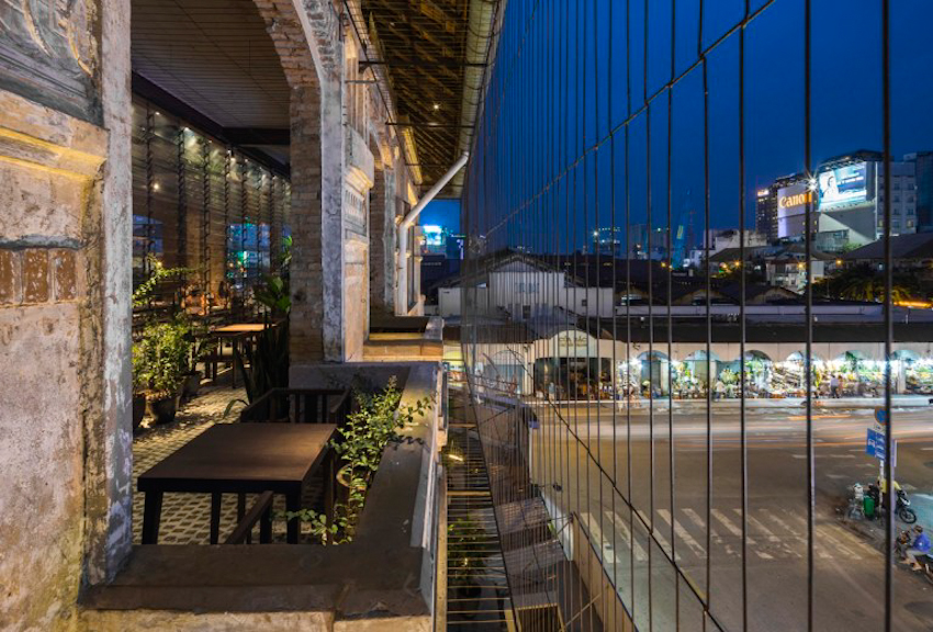 Không gian kiến trúc tiếp nối dòng chảy quá khứ và hiện tại Nhà hàng Bến Thành