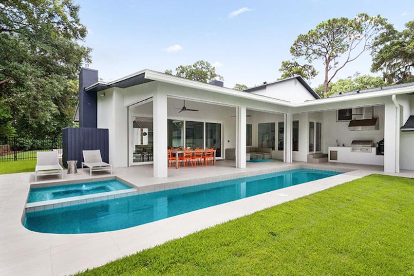 Những thiết kế bể bơi ngoài trời đẹp đến lịm tim cho ngôi nhà của bạn