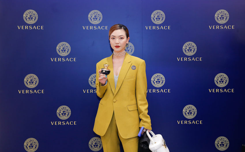 Versace ra mắt sản phẩm Pour Femme Dylan Blue