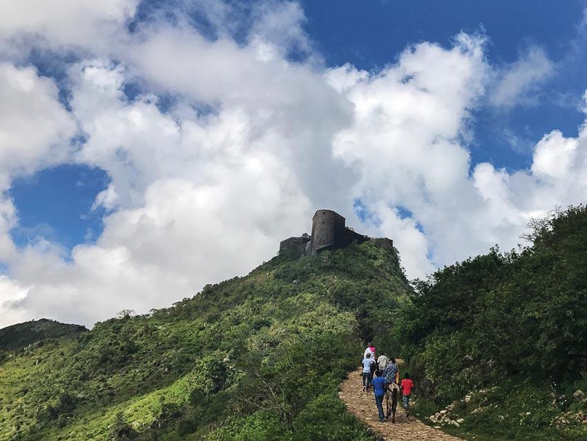 Quốc gia bí ẩn trong vùng biển Caribe