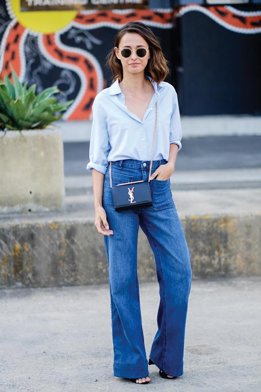 Diện quần jeans ống loe thanh lịch trong mùa hè