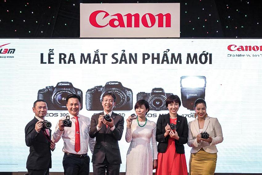 Canon tung ra ba mẫu máy ảnh chiến lược