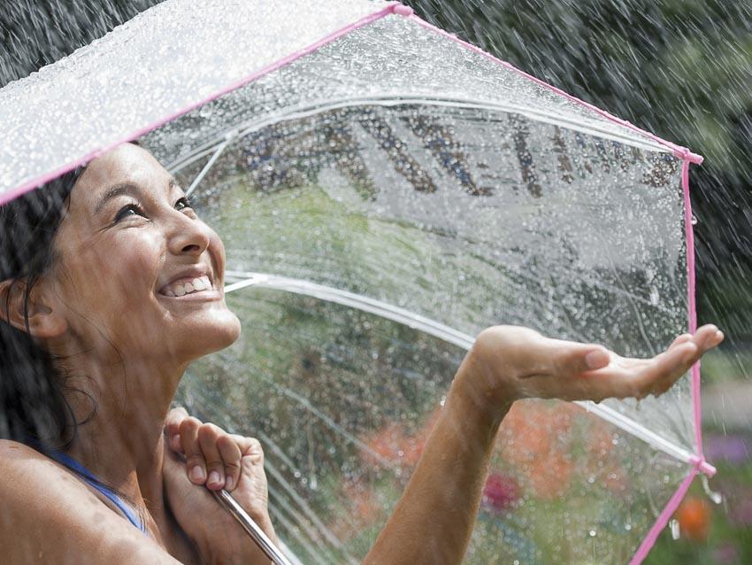 Giữ sức khỏe trong mùa mưa