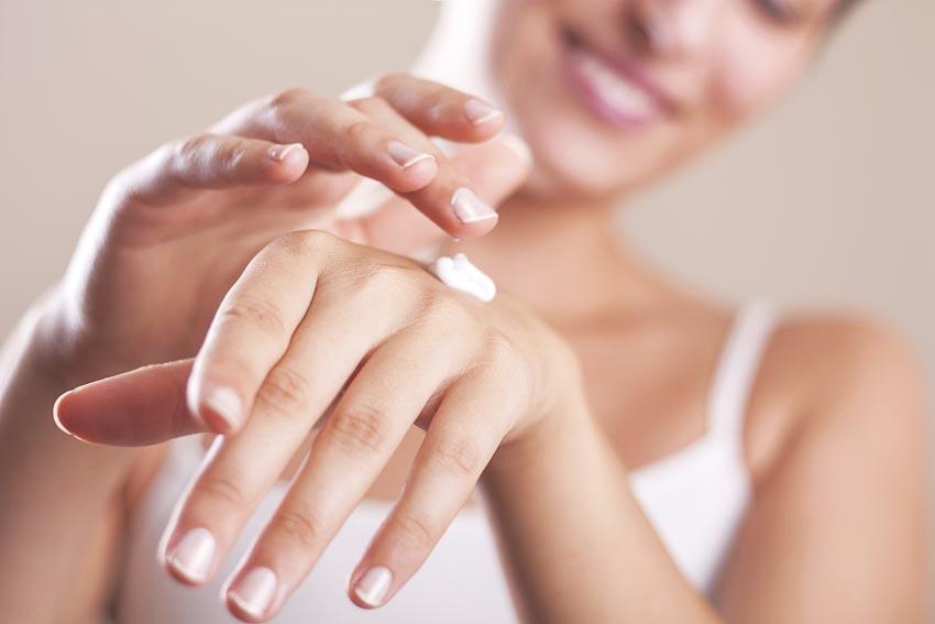 Chăm sóc đôi tay ngọc ngà