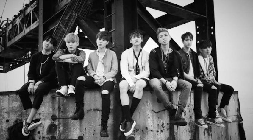 Nhóm nhạc BTS đứng đầu bảng xếp hàng Billboard 200