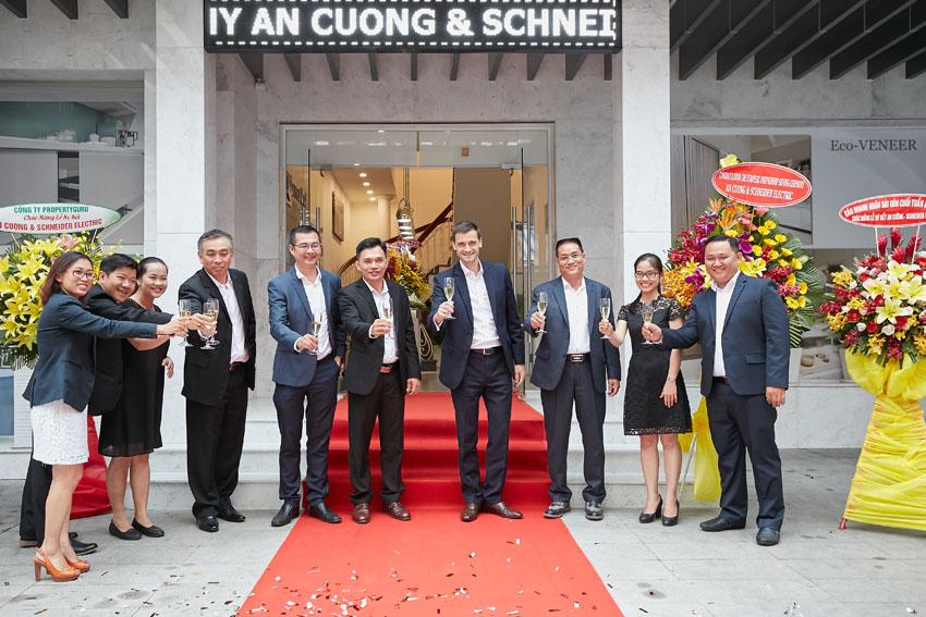 Schneider Electric hợp tác chiến lược với Gỗ An Cường