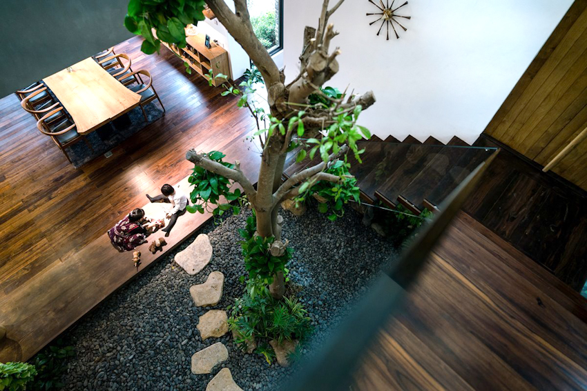 Teak House: Sự giao thoa văn hóa và môi trường qua từng thớt gỗ