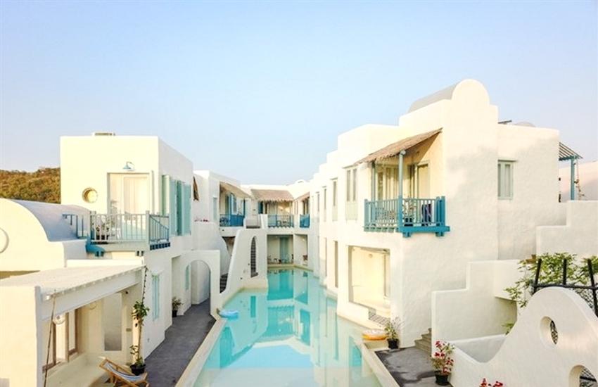 Lạc lối tìm đến khu resort bể bơi trải dài cả thành phố ở Thái Lan